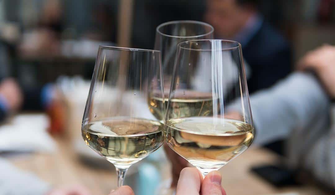 Een nieuwe drank- en horecavergunning aanvragen na uittreding van medevennoot?